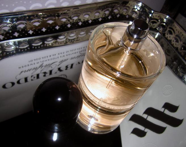 Byredo Rose Noir[bottleonmirror shot byP